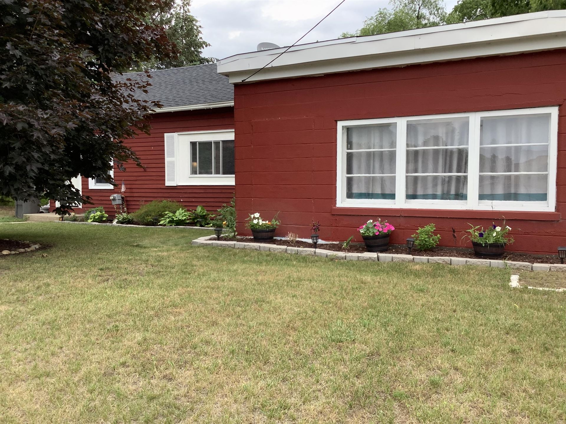 Photo of 115 N Division Street, Lowell, MI 49331 (MLS # 21024911)