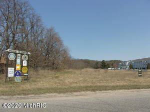 Photo of 200 E Parkdale Avenue, Manistee, MI 49660 (MLS # 20045914)