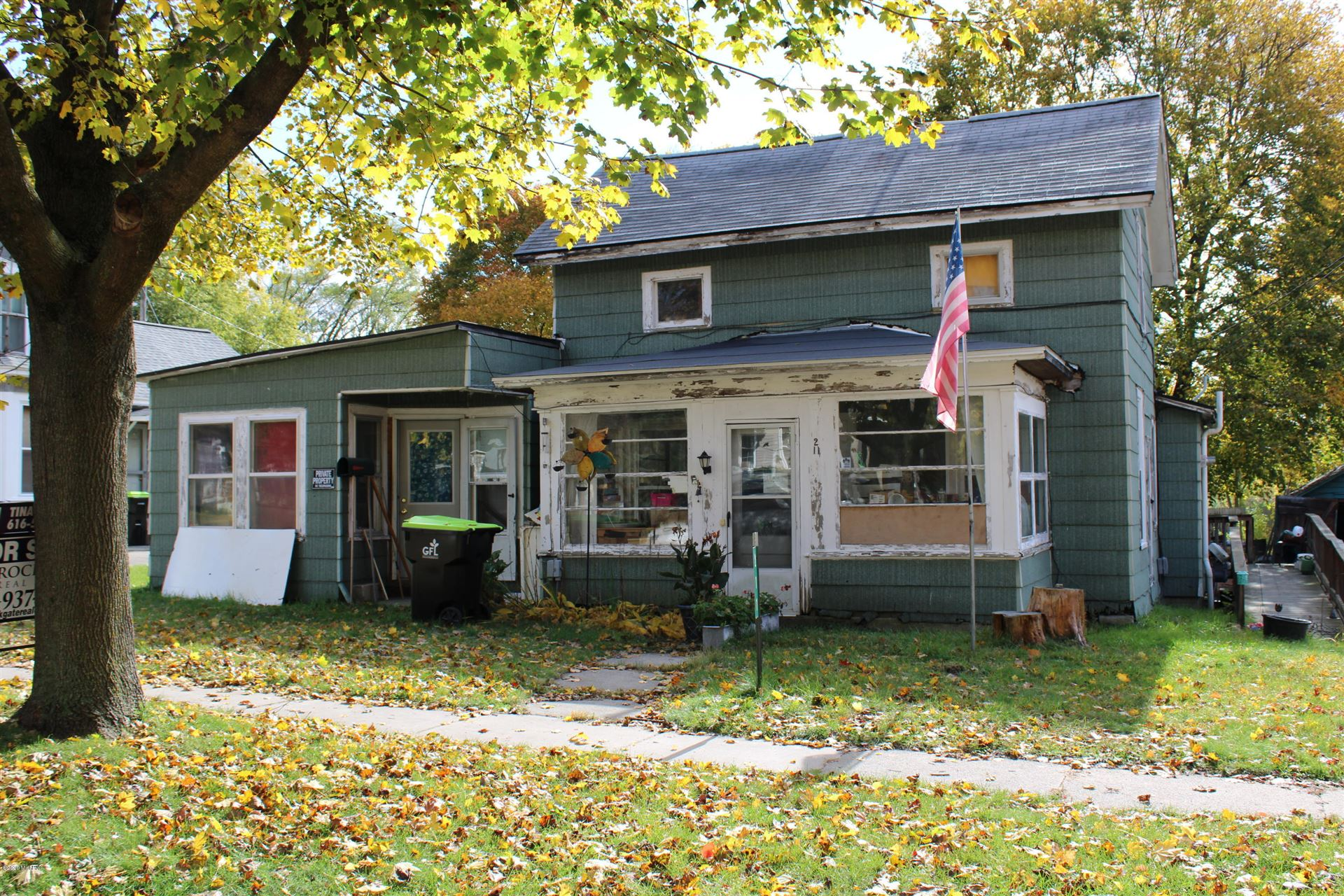 211 E Coffren Avenue, Greenville, MI 48838 - #: 20044918
