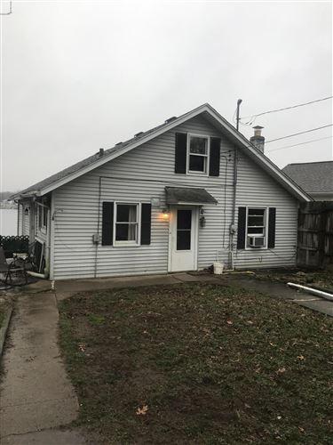 Photo of 190 W Crooked Lake Drive, Kalamazoo, MI 49009 (MLS # 20018920)