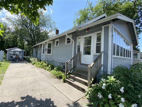 Photo of 422 Edgell Street, South Haven, MI 49090 (MLS # 21103920)