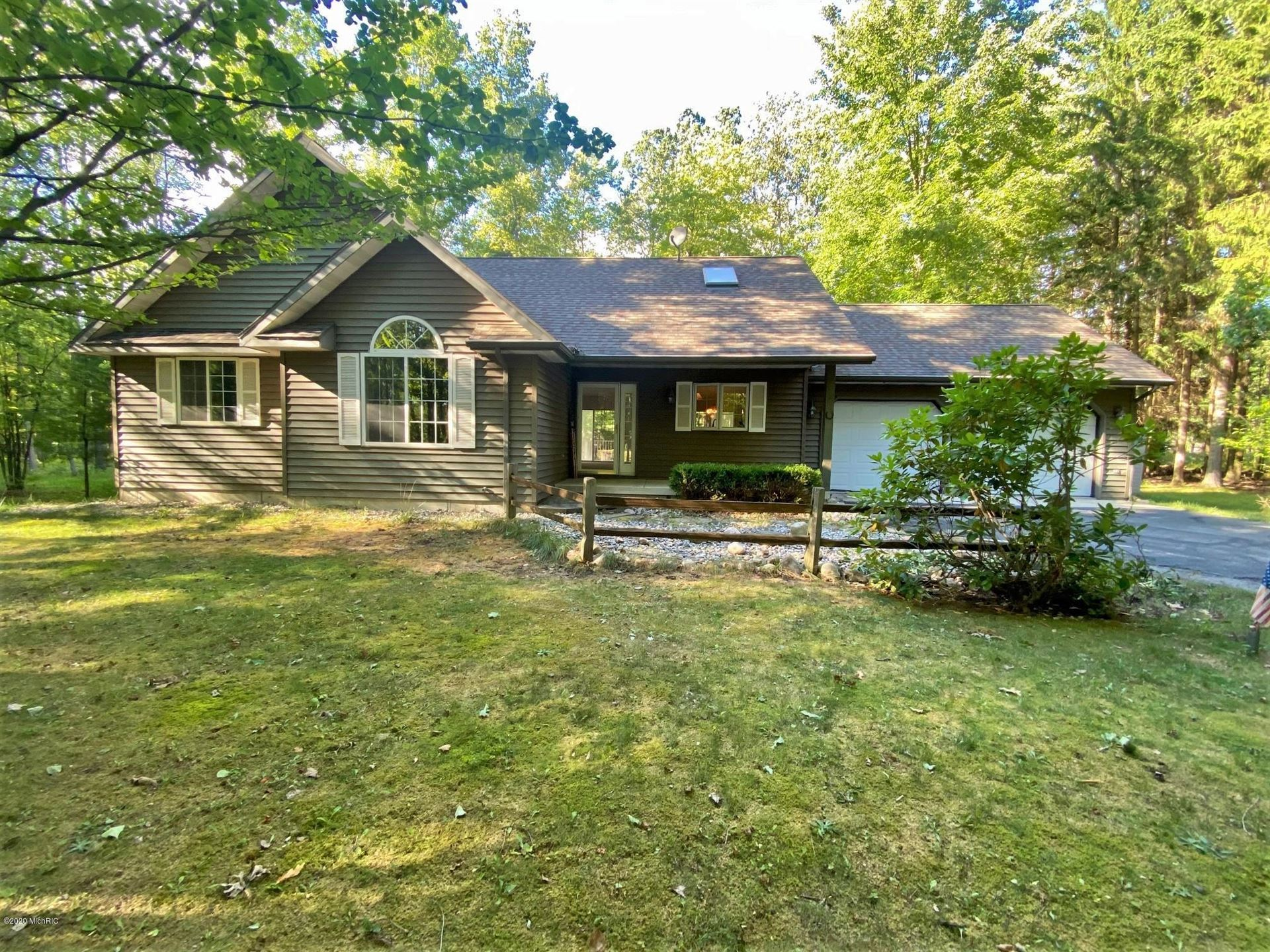9246 White Pine Drive, Canadian Lakes, MI 49346 - MLS#: 20036922