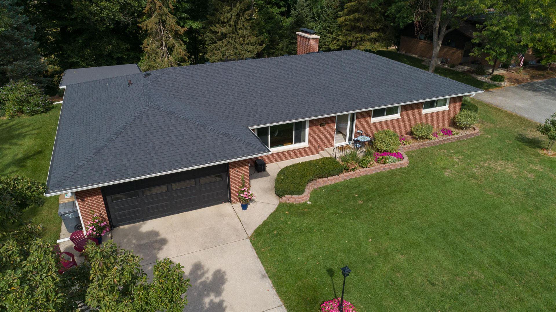 1933 N Valley View Drive, Saint Joseph, MI 49085 - MLS#: 21108923