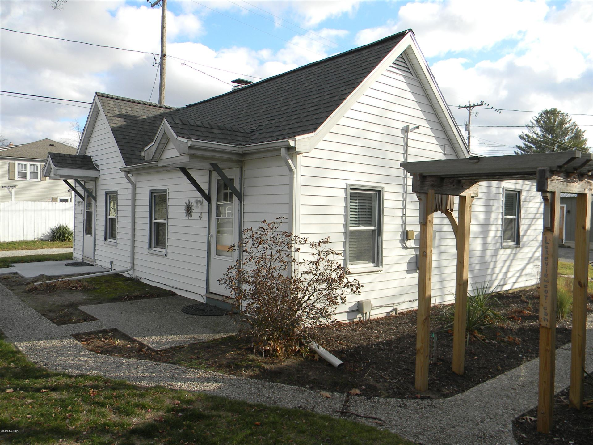 422 N Ferry Street #Cottage 4&5, Ludington, MI 49431 - MLS#: 20048925
