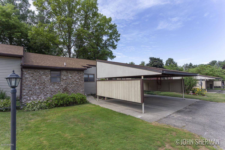 2671 Chatham Woods Drive SE #28, Grand Rapids, MI 49546 - MLS#: 20028931