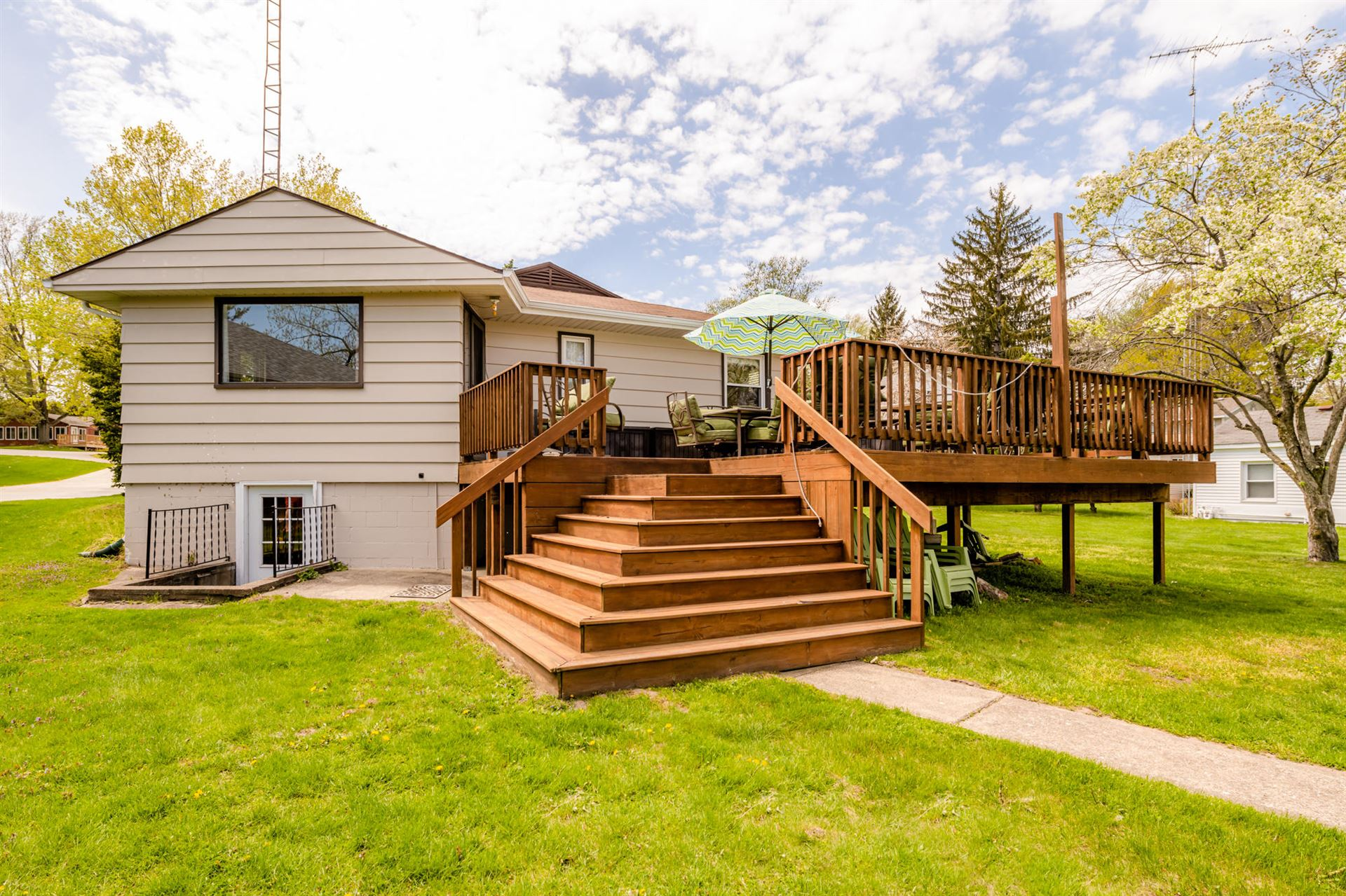 4909 Shoreview Drive, Coloma, MI 49038 - MLS#: 21015931