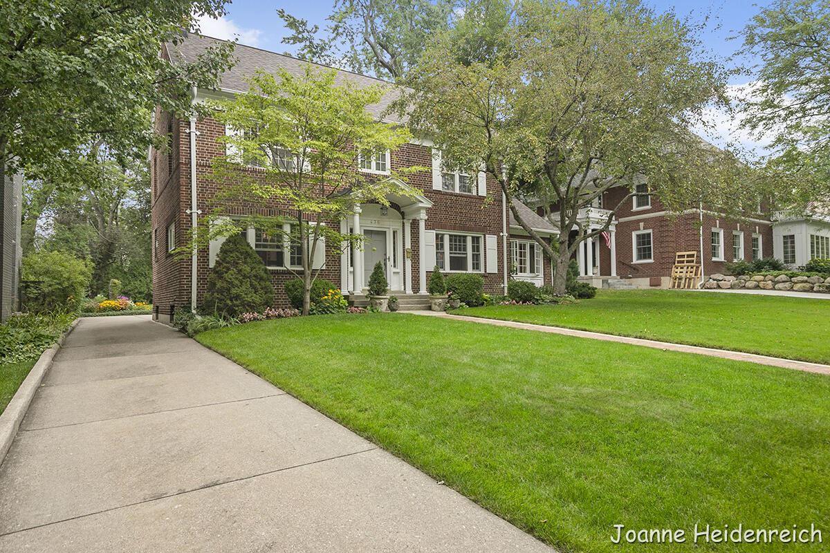 Photo of 436 Cambridge Boulevard SE, East Grand Rapids, MI 49506 (MLS # 21099932)