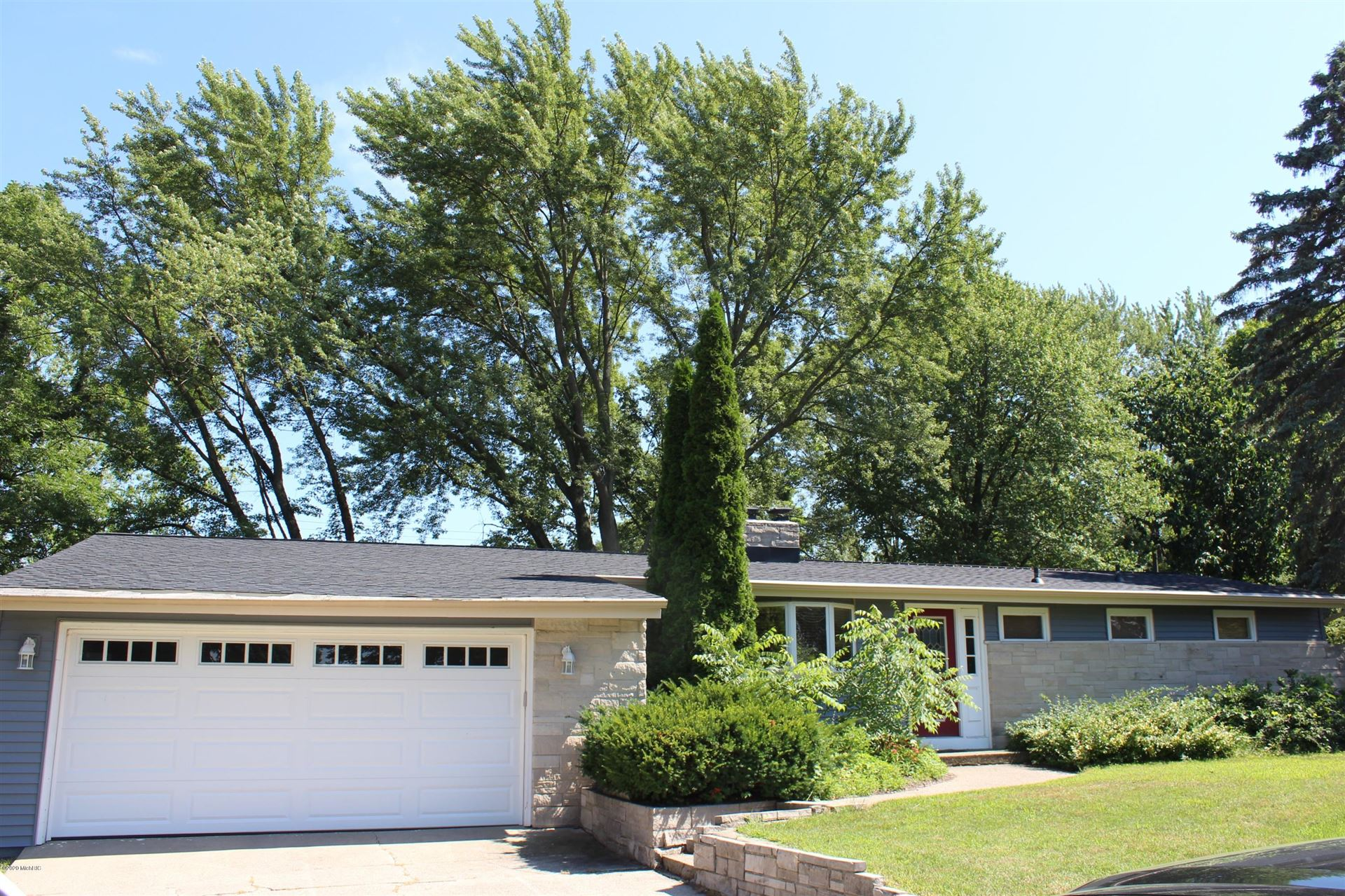 824 S Shore Drive, Holland, MI 49423 - MLS#: 20026940