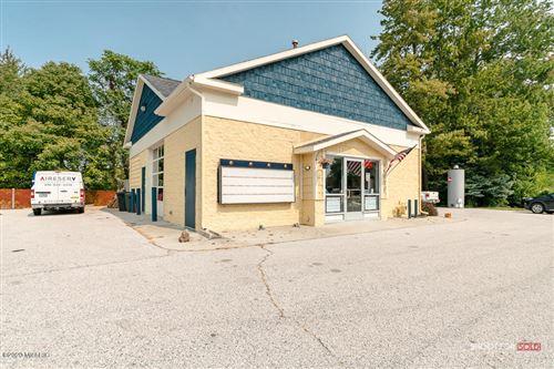 Photo of 14721 Cleveland Street, Spring Lake, MI 49456 (MLS # 20038943)