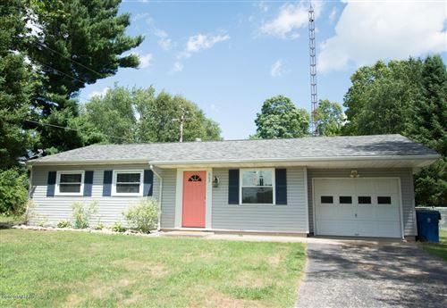 Photo of 660 Wright Street, Jonesville, MI 49250 (MLS # 20026948)
