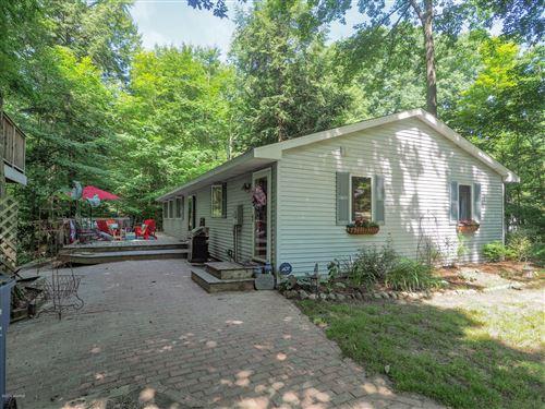 Photo of 7118 Maple Avenue, South Haven, MI 49090 (MLS # 20000949)