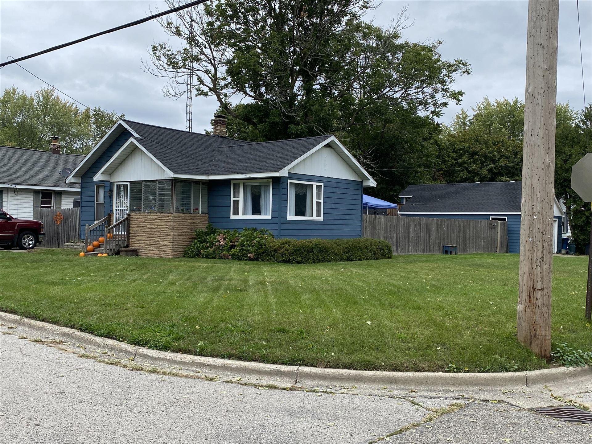 Photo of 950 Young Avenue, Muskegon, MI 49441 (MLS # 21109978)