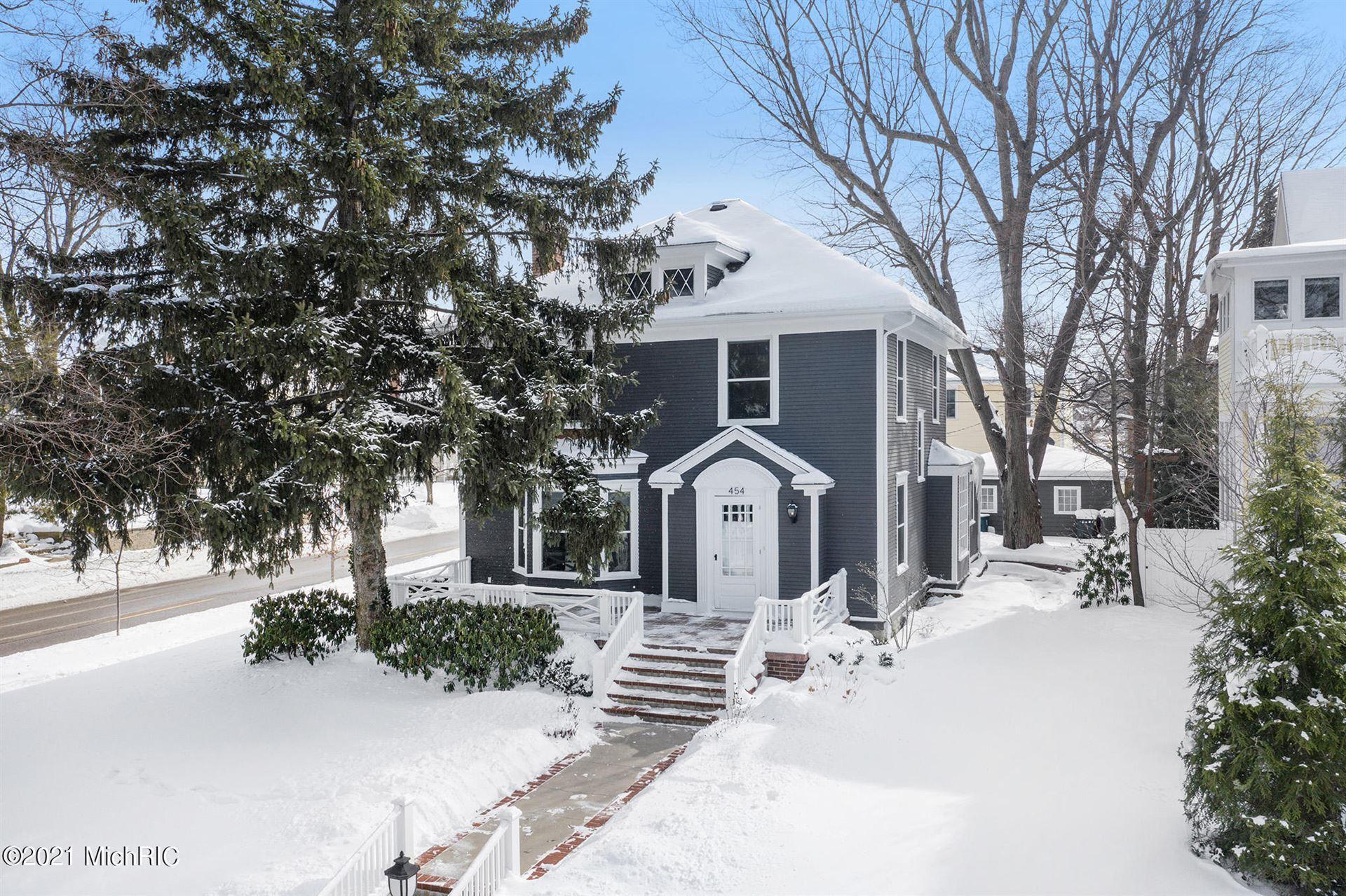 454 Sheldon Terrace, Grand Haven, MI 49417 - MLS#: 21004979