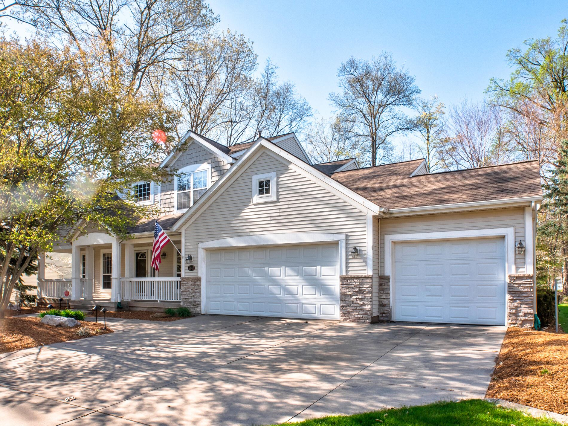 3443 Meadowgrove Drive SE, Kentwood, MI 49512 - MLS#: 21014987