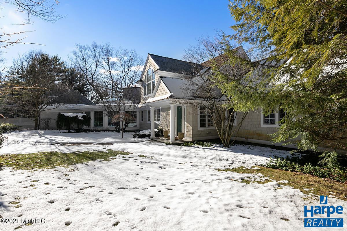 Photo of 14291 Terry Trail, Grand Haven, MI 49417 (MLS # 21000990)