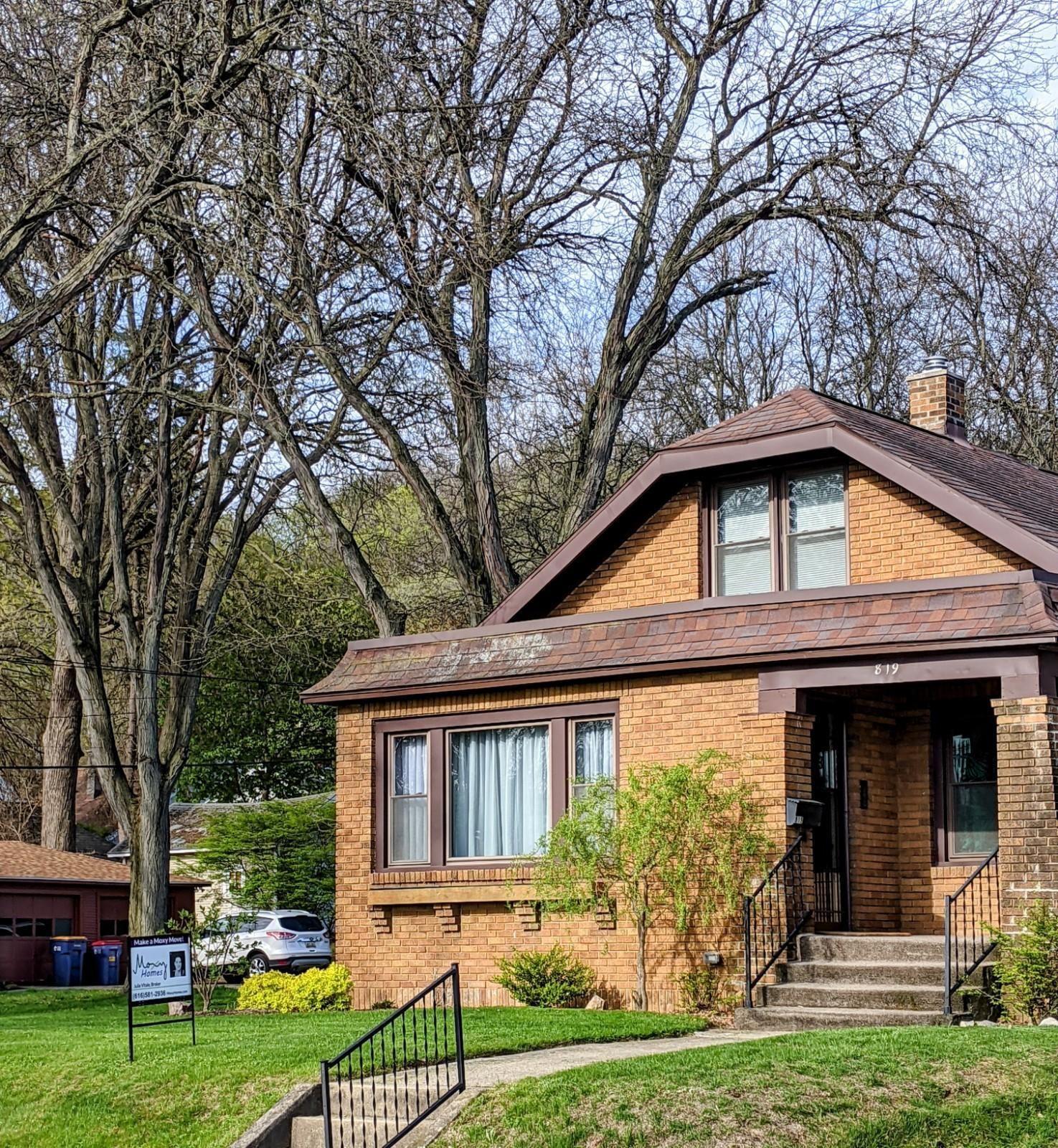 819 Van Buren Avenue NW, Grand Rapids, MI 49504 - MLS#: 21014990