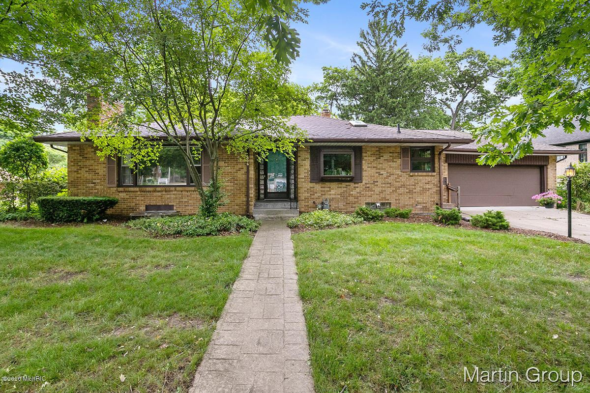 Photo of 806 Rosewood Avenue SE, East Grand Rapids, MI 49506 (MLS # 20023994)