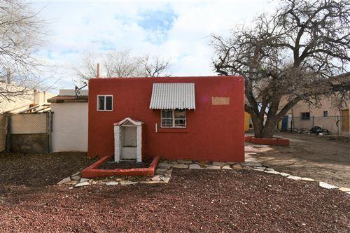 Photo of 434 UTAH Street SE, Albuquerque, NM 87108 (MLS # 968006)