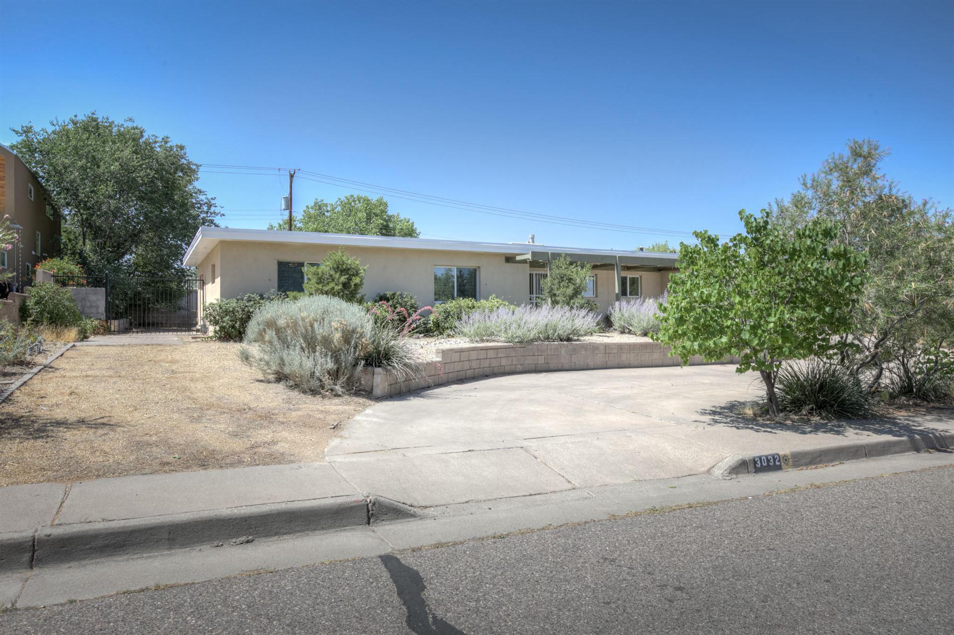 Photo of 3032 SAN JOAQUIN Avenue SE, Albuquerque, NM 87106 (MLS # 971009)