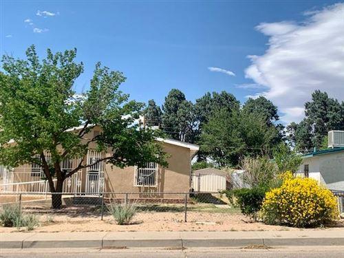 Photo of 1901 Sunshine Terrace Avenue SE, Albuquerque, NM 87106 (MLS # 993012)