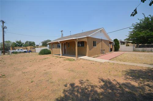 Photo of 4803 Mescalero Road NE, Albuquerque, NM 87110 (MLS # 972016)
