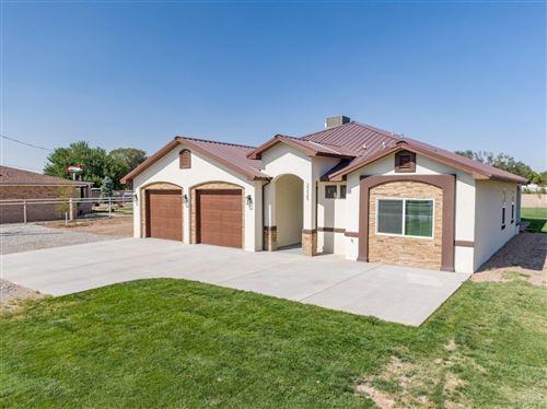 Photo of 2225 S JULIE Avenue SW, Albuquerque, NM 87105 (MLS # 978030)