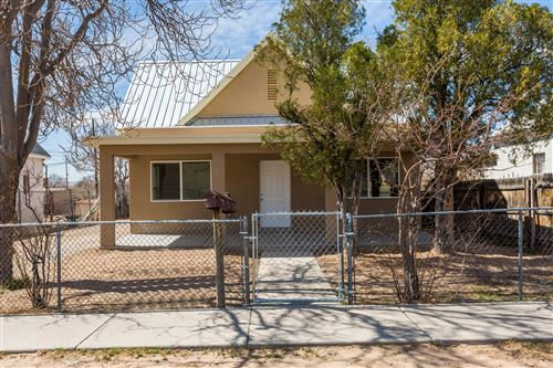 Photo of 721 EDITH Boulevard SE, Albuquerque, NM 87102 (MLS # 989030)