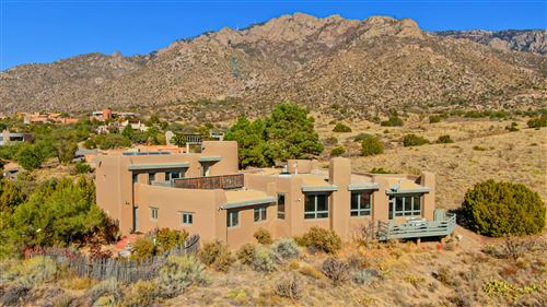 Photo of 67 PINON HILL Place NE, Albuquerque, NM 87122 (MLS # 980031)