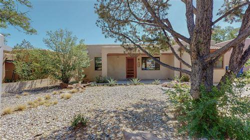 Photo of 1304 LOBO Place NE, Albuquerque, NM 87106 (MLS # 992034)