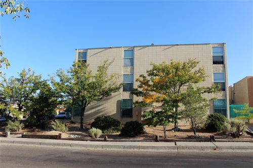 Photo of 222 MAPLE Street NE, Albuquerque, NM 87106 (MLS # 978035)