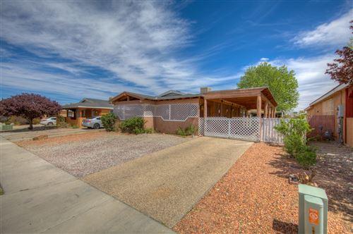 Photo of 504 FENWICK Place SW, Albuquerque, NM 87121 (MLS # 990035)