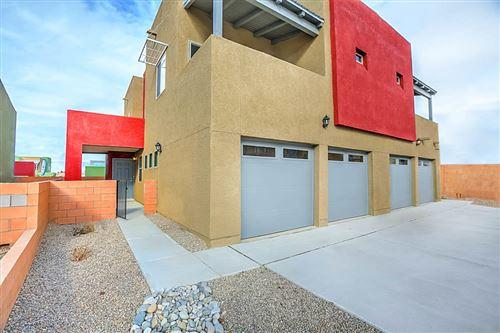 Photo of 1520 BORREGO Drive SE, Albuquerque, NM 87123 (MLS # 986036)