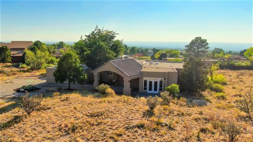 Photo of 511 ROADRUNNER Lane NE, Albuquerque, NM 87122 (MLS # 978043)