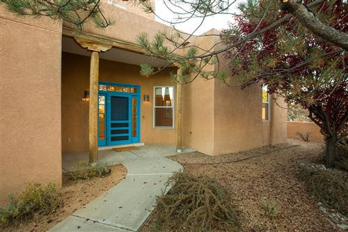 Photo of 1728 Avenida Alturas NE, Albuquerque, NM 87110 (MLS # 958045)