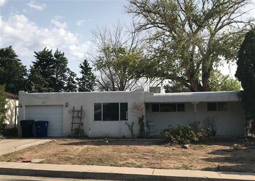 Photo of 11204 Arvada Avenue NE, Albuquerque, NM 87112 (MLS # 977051)