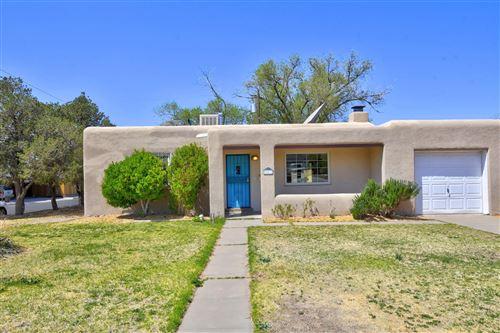 Photo of 401 LAGUAYRA Drive NE, Albuquerque, NM 87108 (MLS # 990051)