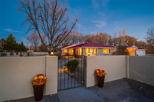 Photo of 516 ROEHL Road NW, Los Ranchos, NM 87107 (MLS # 986053)