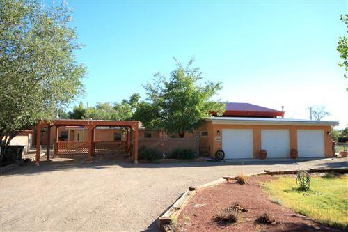 Photo of 312 NARA VISA Road NW, Los Ranchos, NM 87107 (MLS # 1003055)