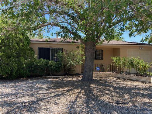 Photo of 136 CONCHAS Street NE, Albuquerque, NM 87123 (MLS # 995058)