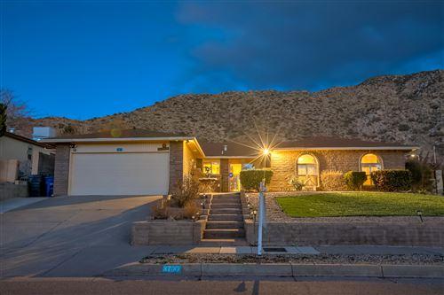 Photo of 3700 W BIG SKY Drive NE, Albuquerque, NM 87111 (MLS # 987065)