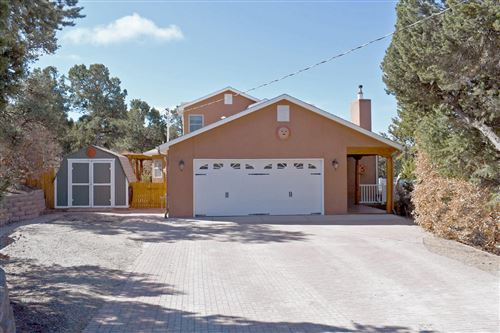 Photo of 2 CALLE ALTA, Tijeras, NM 87059 (MLS # 965067)