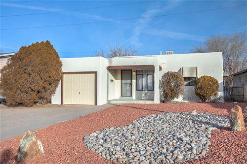 Photo of 1016 Vassar Drive NE, Albuquerque, NM 87106 (MLS # 984068)