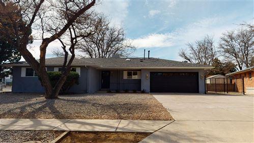 Photo of 7001 COMANCHE Road NE, Albuquerque, NM 87110 (MLS # 988068)