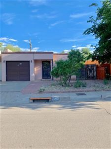 Photo of 210 Shannon Place NW, Albuquerque, NM 87107 (MLS # 947069)