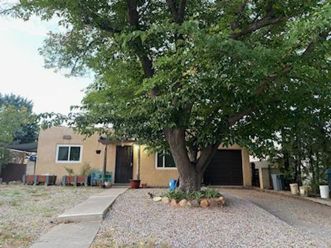 Photo of 8806 AZTEC Road NE, Albuquerque, NM 87111 (MLS # 1003072)