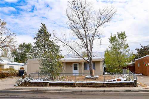 Photo of 2704 MORRIS Street NE, Albuquerque, NM 87112 (MLS # 980075)