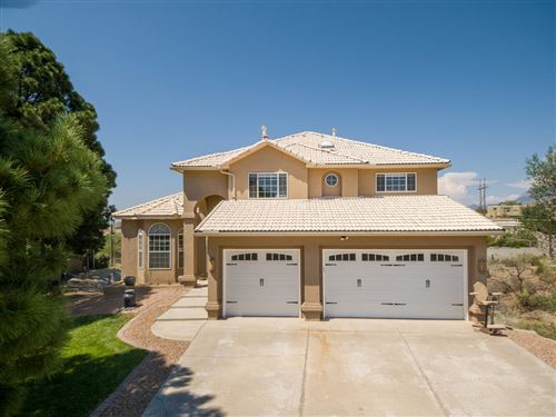 Photo of 803 WARM SANDS Court SE, Albuquerque, NM 87123 (MLS # 976079)
