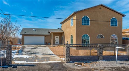 Photo of 2125 FOOTHILL Drive SW, Albuquerque, NM 87105 (MLS # 985081)