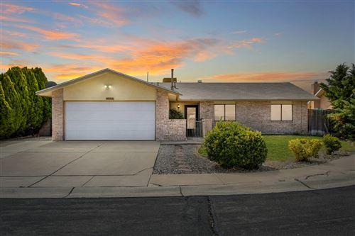 Photo of 6910 MINEHEAD Court NW, Albuquerque, NM 87120 (MLS # 990082)