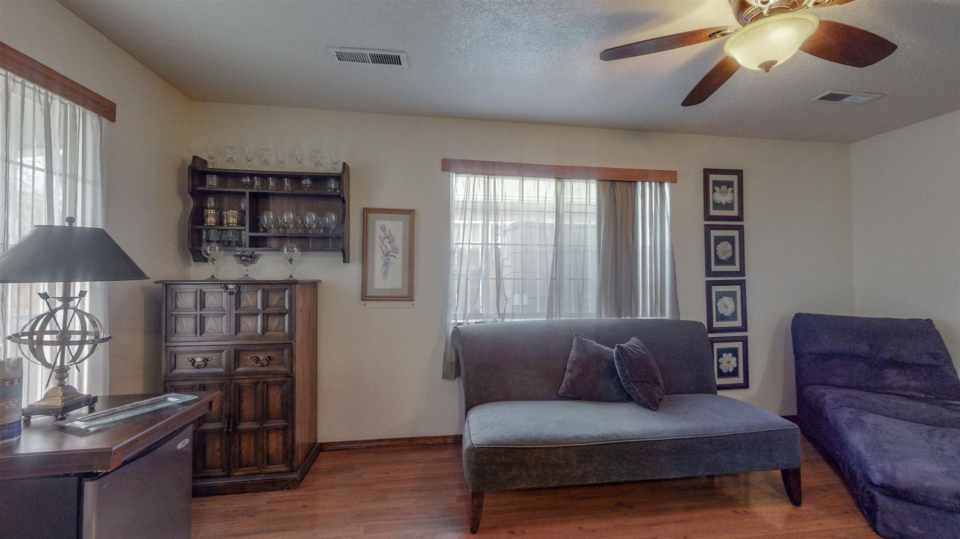 Photo of 401 HAZELDINE Avenue SW #B, Albuquerque, NM 87102 (MLS # 985089)